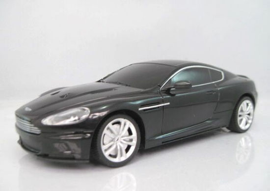 Black / Silver Kids 1:24 Scale R/C Aston Martin DBS Toy