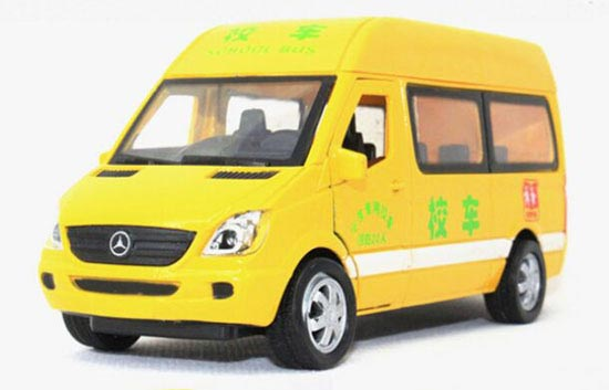 Yellow 1:32 Scale Kids Diecast Mercedes-Benz School Bus Toy