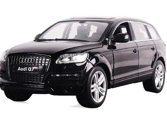 1:24 Scale Black / Wine Red / White Diecast Audi Q7 Model