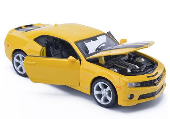 Yellow /Wine Red 1:24 MaiSto 2010 Diecast Chevrolet Camaro Model