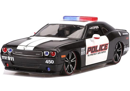 Black 1:24 Scale Police MaiSto Diecast Dodge Challenger Model