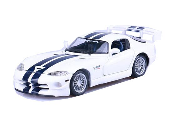 White 1:18 Scale MaiSto Diecast Dodge Viper GT2 Model