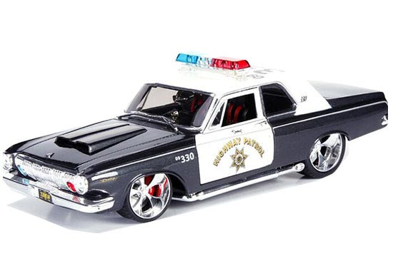 Black-White 1:18 Scale MaiSto 1963 Dodge 330 Police Car Model