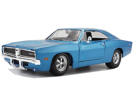 White / Blue 1:25 MaiSto 1969 Diecast Dodge Charger R/T Model