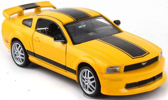 Diecast Red / White / Yellow / Orange 2009 Ford Mustang Toy