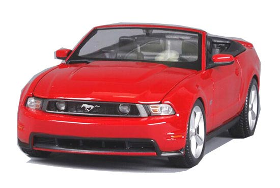Red 1:18 Scale Convertible MaiSto Diecast 2010 Ford Mustang GT