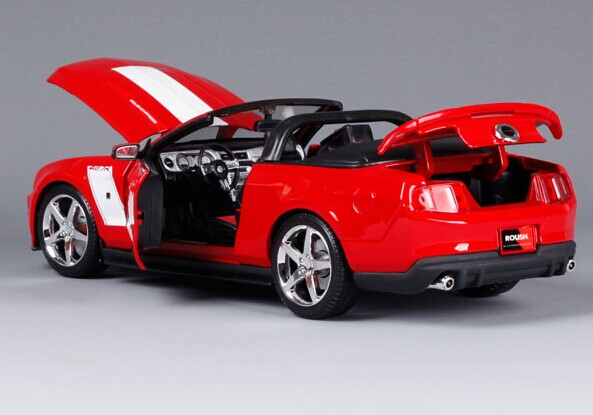 Red 1:18 Scale MaiSto 2010 Ford Mustang ROUSH 427R