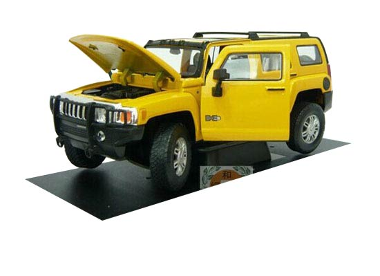 Yellow 1:24 Scale Cararama Diecast Hummer H3 Model