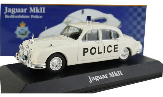 White 1:43 Scale IXO Diecast Jaguar MARK Model