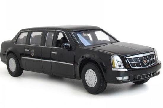 Kids White / Black 1:32 Scale Diecast Cadillac DTS Toy