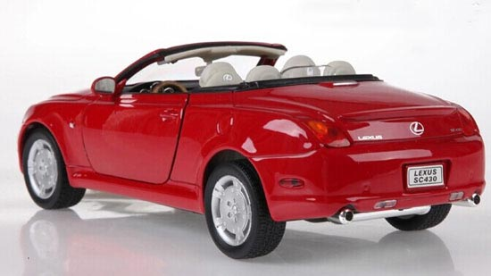 1:24 Scale Red / White Welly Diecast Lexus SC430 Model [LE01T0004