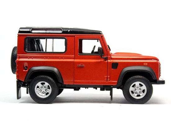Black / Red / Silver / White 1:24 Diecast Land Rover Defender