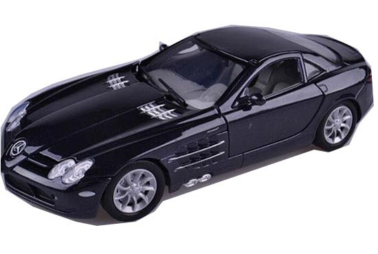 Black / Silver 1:24 MotorMax Diecast Mercedes-Benz SLR Model