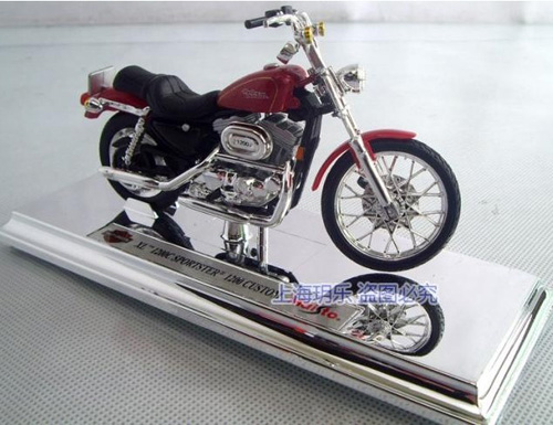 1:18 Scale Red Harley-Davidson XL 1200C Sportster Motorcycle Toy