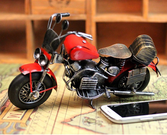 Black-red Medium Scale Retro Style Tinplate Motorcycle Model
