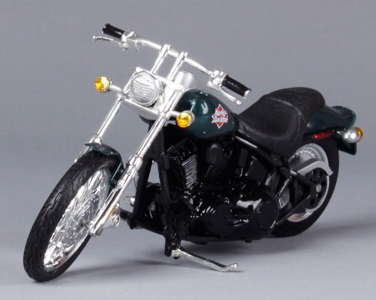 Black 1:18 MaiSto Diecast Harley Davidson 2002 FXSTB Night Train