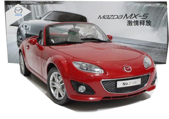 Red 1:18 Scale Diecast Mazda MX-5 Model