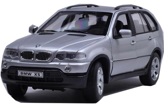 1:18 Scale Silver Welly Diecast BMW X5 Model