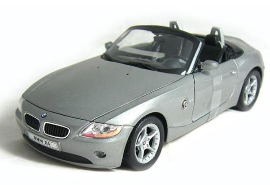 Gray / Blue 1:24 Scale Welly Diecast BMW Z4 Model