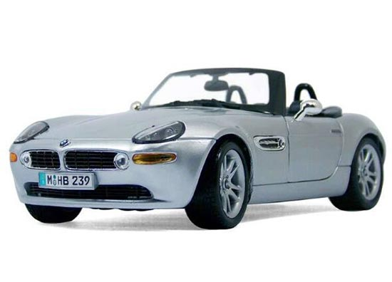 Blue / Silver 1:18 Scale Maisto Diecast BMW Z8 Model