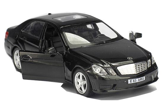 White / Black /Blue /Red 1:36 Diecast Mercedes-Benz E63 AMG Toy