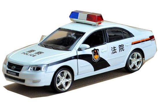White 1:32 Scale Kids Court Theme Diecast Hyundai Sonata Toy