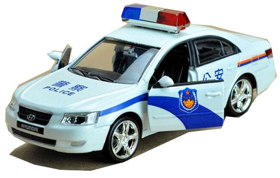 White 1:32 Scale Kids Police Theme Diecast Hyundai Sonata Toy