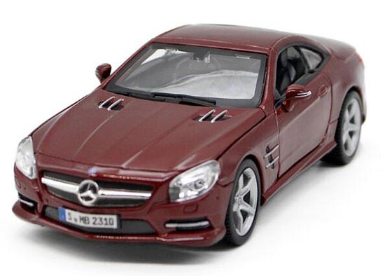 1:24 Wine Red / Gray Bburago Diecast Mercedes-Benz SL 500 Model