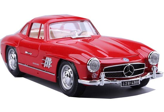 Red 1:18 Scale Bburago Diecast Mercedes-Benz 300SL Model