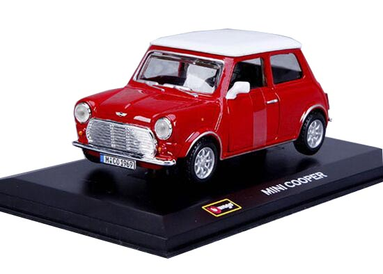 Army Green / Red 1:32 Bburago Diecast 1969 Mini Cooper Model