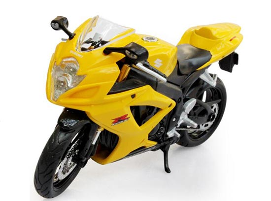 Yellow 1:12 Scale Maisto Diecast Suzuki GSX-R 600 Model
