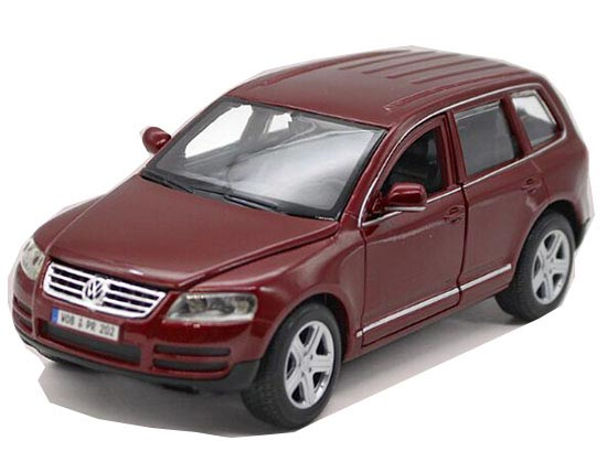 Wine Red 1:24 Scale Bburago Diecast VW Touareg SUV Model