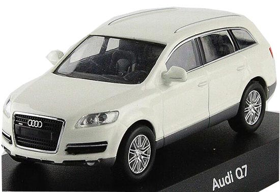 Black / White 1:64 Scale KYOSHO Diecast Audi Q7 Toy