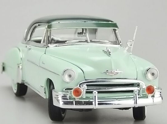 Light Green 1:18 Scale Diecast 1950 Chevrolet BEL AIR Model
