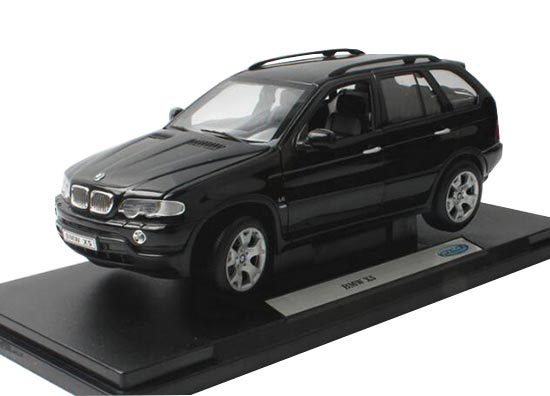 Welly Black 1:18 Scale Diecast BMW X5 SUV Model