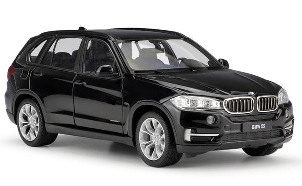 Black / Red / White 1:24 Scale Welly Diecast BMW X5 SUV Model