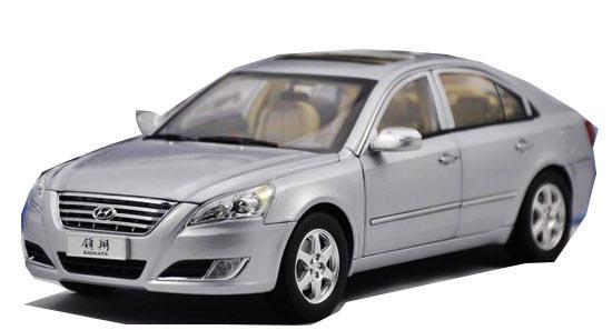 White Silver Blue 1 18 Scale Diecast Hyundai Sonata Model Na02t0276 Vktoybuy Com