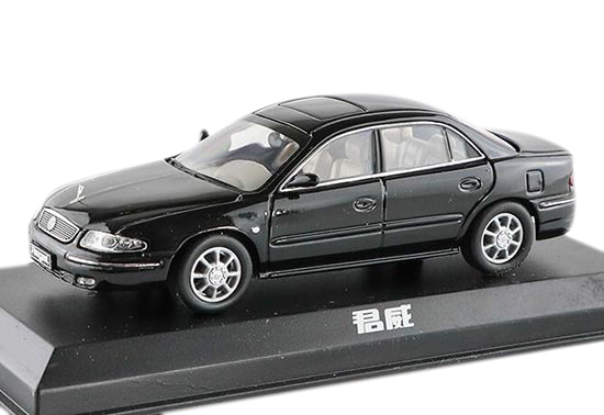 White / Black 1:43 Scale Die-Cast Buick Regal Model