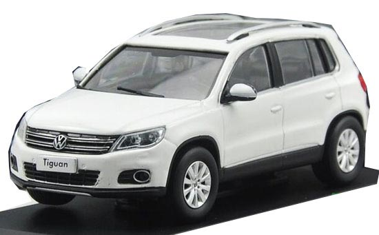 White 1:43 Scale Diecast VW NEW TIGUAN Model