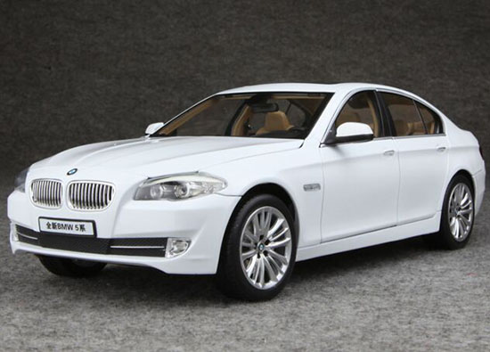 Silver / White 1:18 Scale NOREV Diecast BMW 5 Series Model