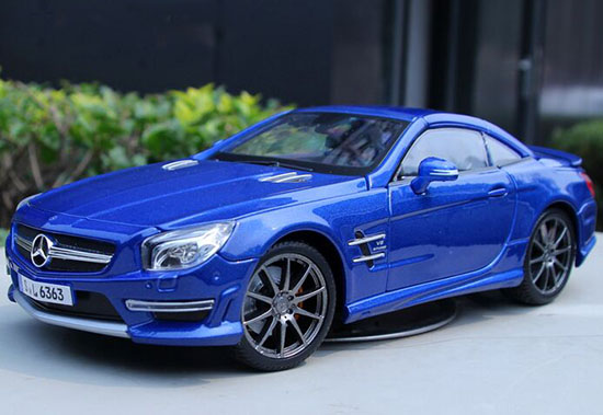 Red / Blue MaiSto 1:18 Diecast Mercedes-Benz SL 63 AMG