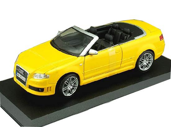 Yellow 1:18 Scale MaiSto Diecast Audi RS4 Model