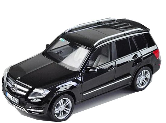 1:18 Scale Black / Red Diecast Mercedes-Benz GLK 300 Model