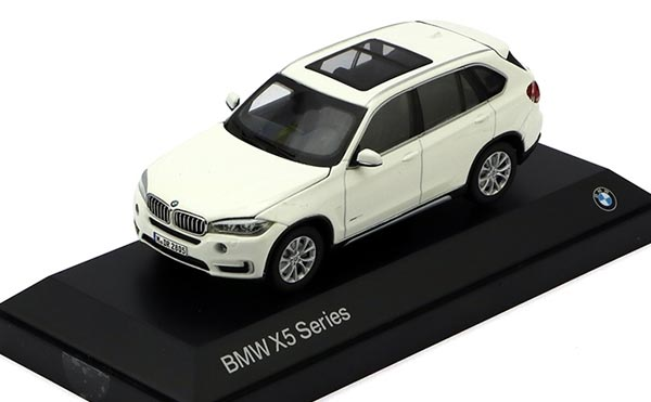 1:43 Scale Brown / Black / White Diecast BMW X5 Model