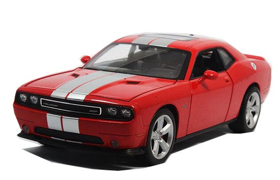 Welly 1:24 Scale Red / Black Diecast Dodge Challenger SRT Model