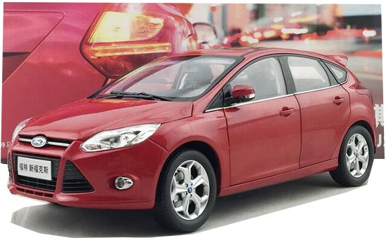 Red 1:18 Scale 2012 Diecast NEW FORD FOCUS Model