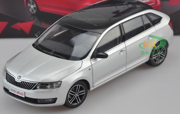 Silver / Red / Blue 1:18 Scale Diecast Skoda Rapid Spaceback