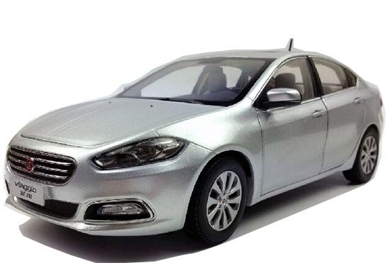 Silver / Wine Red 1:18 Scale Diecast Fiat Viaggio Model
