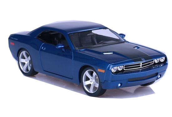 Red /Blue 1:18 Scale Maisto Diecast 2006 Dodge Challenger Model