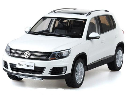 Brown / Red / White 1:18 Scale Diecast VW New Tiguan Model